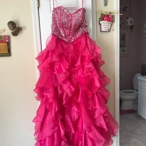 Dresses & Skirts - Gorgeous sweet 16 and/or quinceanera dress